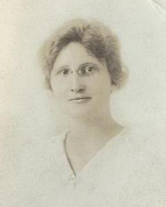Edith MacDonald, probably taken shortly before the war.