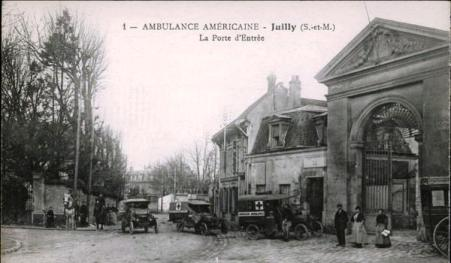The courtyard at the College de Juilly which housed Evacuation Hospital No. 8. This is the scene Pvt Hummelshiem looked down upon from his hospital bed.